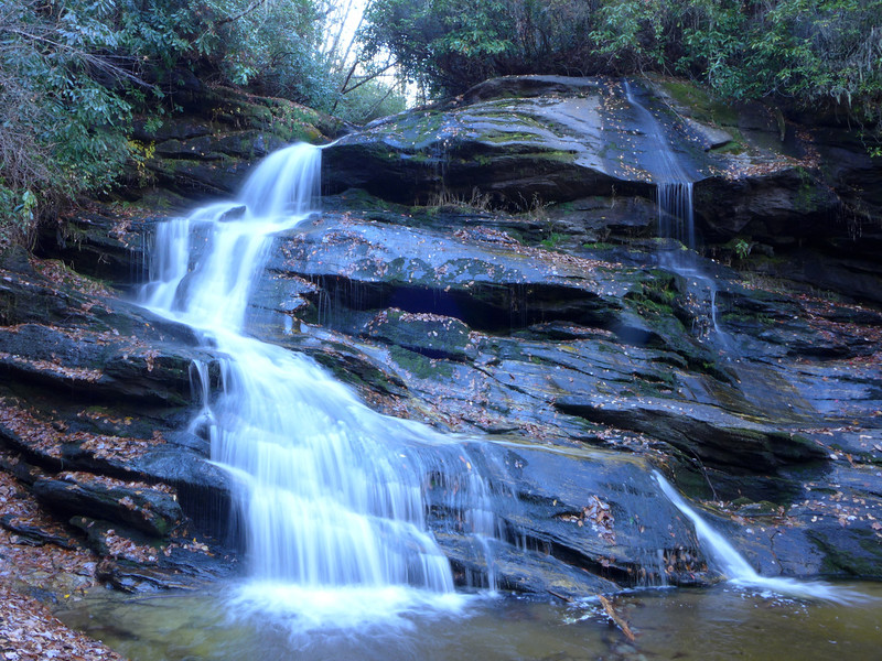 """<h1>Nellie's Falls</h1>...on Flat Creek in northern Panthertown.  I think these are one and the same with the waterfall on the Kornegay map that is called """"Hidden Falls"""".  Rich Stevenson has <b><u><a href=""""http://www.ncwaterfalls.com/nellies1.htm"""" target=""""_blank"""">a nice write up</a></u></b> of how Bernie Boyer found these, and made a hiking trail to them."""