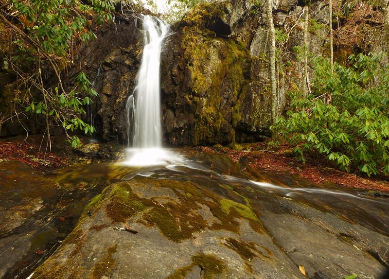Roy Taylor Falls - Frontal view