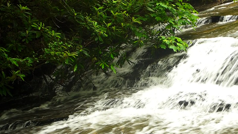 Handheld video of a small section of the upper waterfall