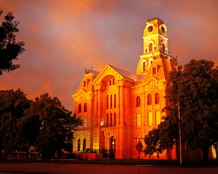 Hill County courthouse at sunset