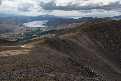 Walking nalong the ridge of Creag Mainnrichean