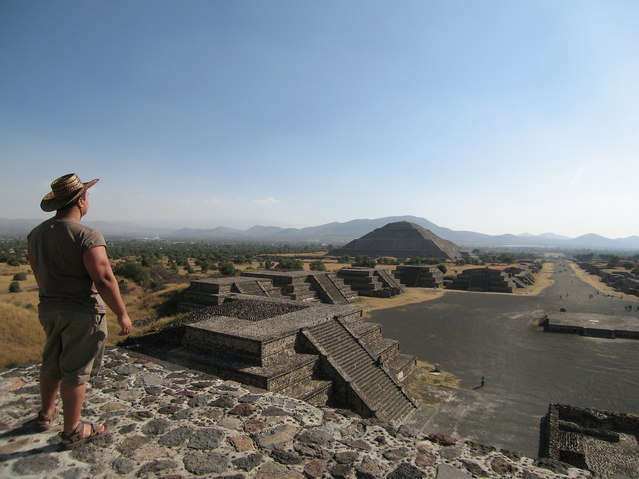 """19.Teotihuacan<br /> <br /> Teotihuacan Gallery:<br />  <a href=""""http://rishiray.smugmug.com/gallery/4140487"""">http://rishiray.smugmug.com/gallery/4140487</a><br />  <a href=""""http://rishiray.smugmug.com/gallery/4141855"""">http://rishiray.smugmug.com/gallery/4141855</a><br /> <br /> Hillman Wonders Page<br />  <a href=""""http://www.hillmanwonders.com/teotihuacan/teotihuacan.htm#_vtop"""">http://www.hillmanwonders.com/teotihuacan/teotihuacan.htm#_vtop</a>"""