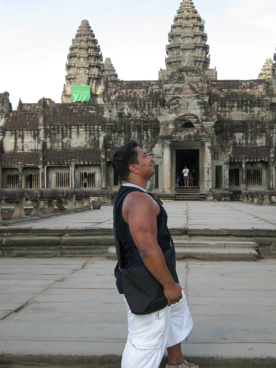 "14. Angkor Wat<br /> <br /> Angkor Wat Gallery<br />  <a href=""http://rishiray.smugmug.com/gallery/3211472"">http://rishiray.smugmug.com/gallery/3211472</a><br /> <br /> Hillman Wonders Page<br />  <a href=""http://www.hillmanwonders.com/angkor_wat/angkor_wat.htm#_vtop"">http://www.hillmanwonders.com/angkor_wat/angkor_wat.htm#_vtop</a>"