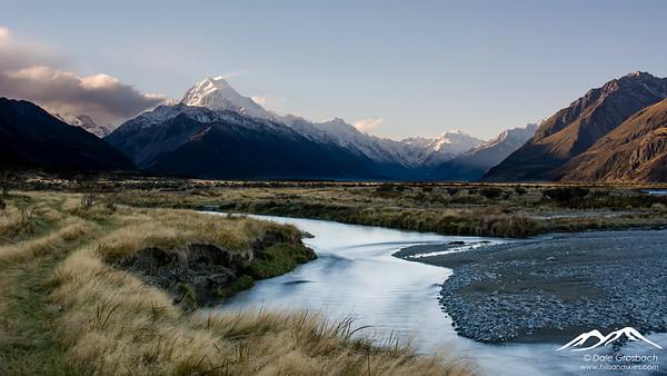 Aoraki/Mt Cook - Tasman River