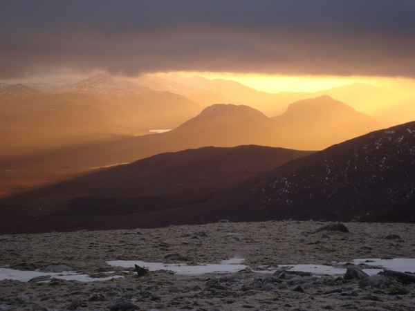 Looking to Binnein Shios & Binnein Shuas at sunset, from Geal Charn