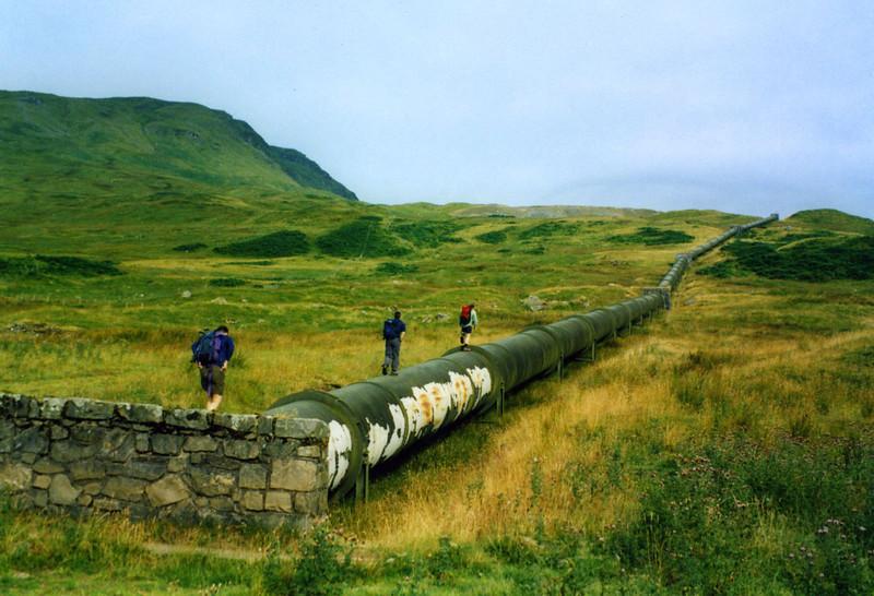 Pipe walk up Beinn Heasgarnich.