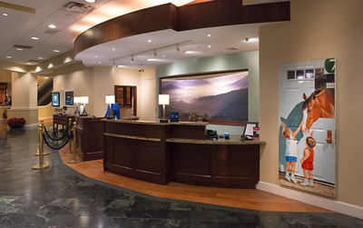 Lobby_Front_Desk_6047