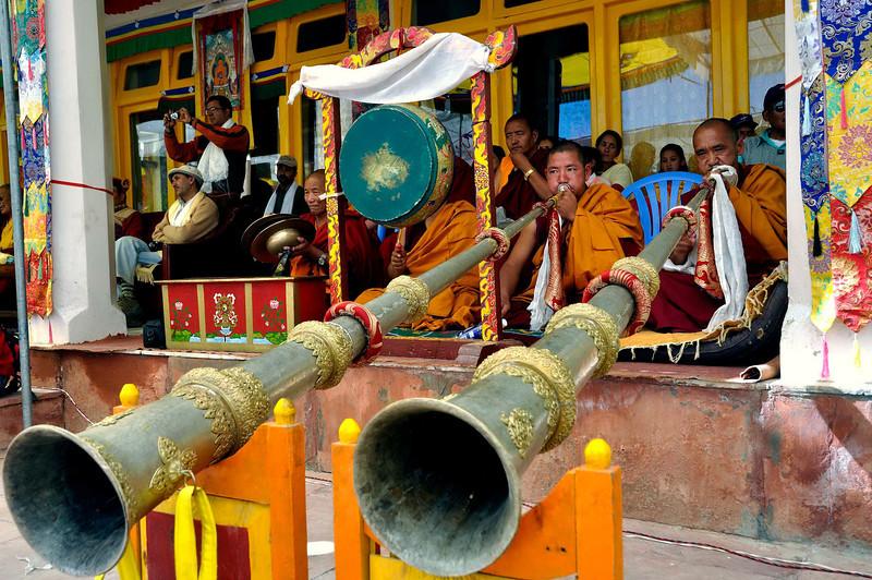 Bardo Lhamsol - the long horn!