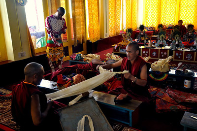 """Preparations inside the monastery """"green room""""!"""