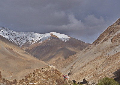 Gompa, Tangste