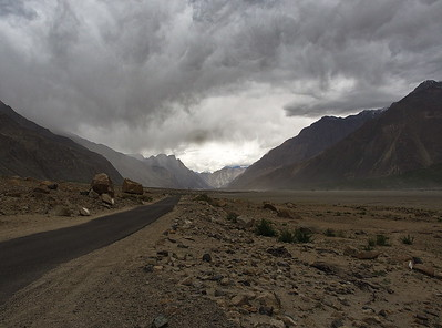 Nubra Valley, western road to Turtuk