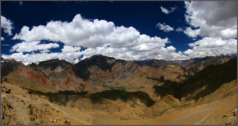 View from the top of Hanuma-La (4730m) looking East.