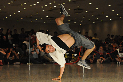 Freeze by BBoy Evol (City vs. City 6, 2010)