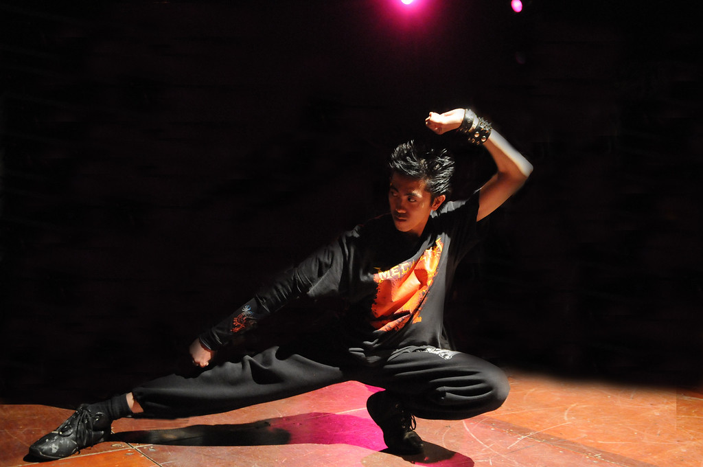 BBoy Goth Metal Ninja with the BBoy pose (Samurai edition)