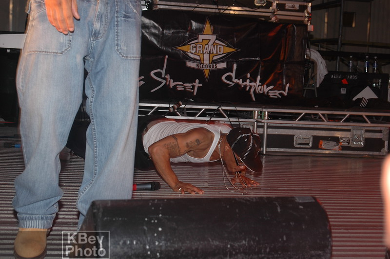 For some inexplicable reason, Guru dropped down and started doing push-ups in the middle of a song.