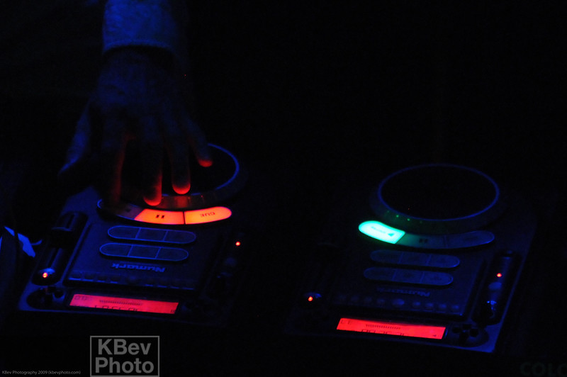 A pair of Numark Axis-9's were the tools of choice for the DJ