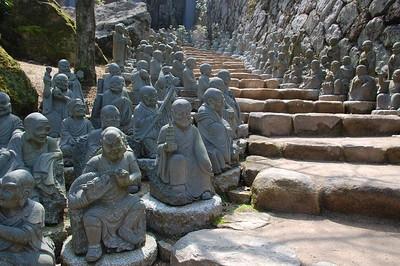 500 Rakan statues, Daishoin Temple