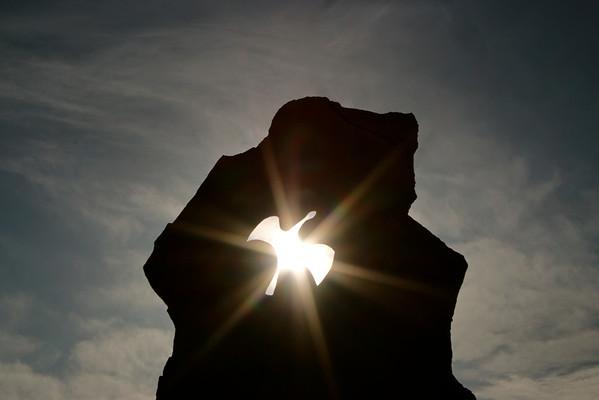 Colombe de Lumière, stèle en hommage aux cathares, JL Séverac.