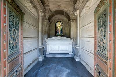 Kohl Mausoleum, Cypress Lawn