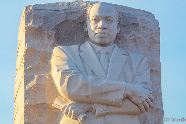 Martin Luther King Memorial - Golden Hour Folded Arms Bust - H4b