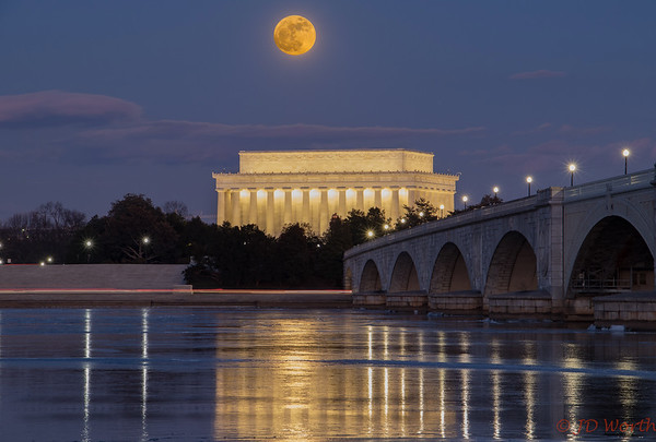 New Year's Day 2018 Supermoon Over Lincoln Memorial - H1