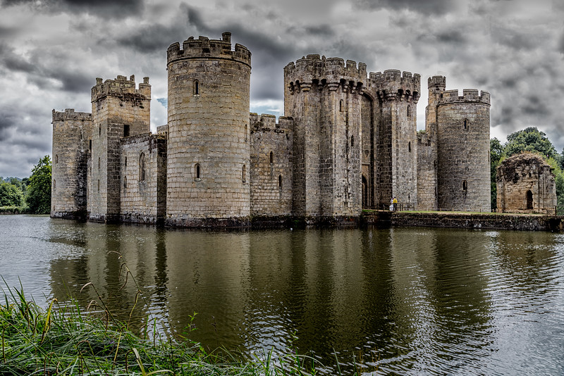 Bodiam Castle - high contrast edit