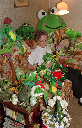 98/01/08 Frog Lady*Dennis Stierer photo - Esther Jesson with some of her more than 200 frogs that she has collected.