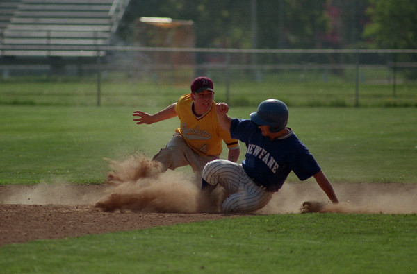 98/05/06 Out At Second *Dennis Stierer Photo - Second Baseman Jeff Shorr tags Luke Sage of Newfane out as he tries to steal second.