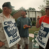 98/08/10--PHONE STRIKE--DAN CAPPELLAZZO PHOTO--(LTOR)PHONE EMPLOYEES LUIGI PERRICELLI, SCOTT KOPEC AND DOUG FALINGT TALK ABOUT THE STRIKE AT THE WOODLAND RD CENTRAL OFFICE.<br /> <br /> 1A