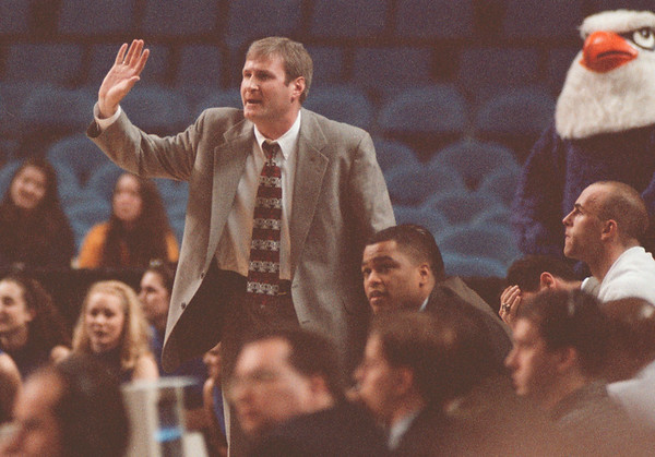 98/03/10 -- Armstrong --Takaaki Iwabu photo--- NU basketball coach Jack Armstrong in action... from '98 season. <br /> <br /> 1A, color, Wednesday