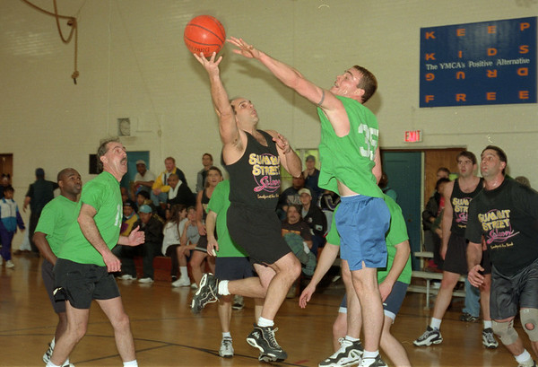 """98/03/18 """"A"""" Finals *Dennis Stierer photo - Brian Shanahan of Swick's tries to block a shot by John O""""Day of Summit Salon.<br /> I THINK THESE ID'S ARE RIGHT!!!!!<br /> BLACK AND WHITE PHOTO"""