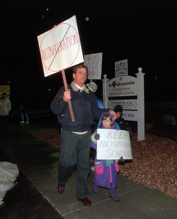 98/02/11 Protesters - James Neiss Photo - Joseph Kane with doughter Kristie, 6yrs, picket outside of the Dale Center with other picketers.