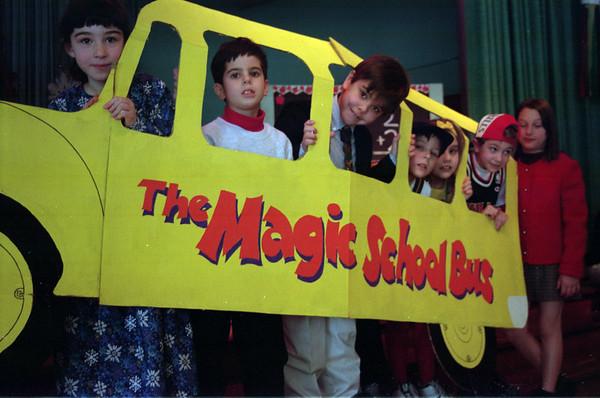 98/1/29 Magic Bus-Rachel Naber Photo- (left to Right) KelleyFraser, Paul Sandell, Robert Shaughnessy,Chris Yaremo, Rhiannon Sweeney, Dan Greco