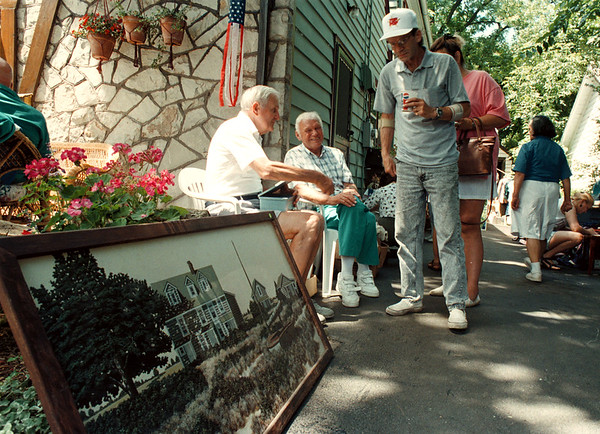 7/20/97-- garage sale --Takaaki Iwabu photo-- The 3rd Annual Lewiston Village Garage sale attract many shoppers in town Saturday and Sunday. <br /> <br /> tmc photo