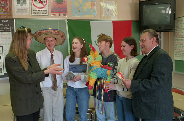98/01/20 Barker Spanish Club*Dennis Stierer photo - Spanish teacher Kim Meal talks to Spanish Club students Adam Gow, Marcia Gilsinan, Leon Lapp, Caroline and  the President of Barker Lions Club, Gary Few, about Mexico. The Lions club is helping to raise money for the Spaish Club, so they can go to Mexico by hosting a pancake breakfast.