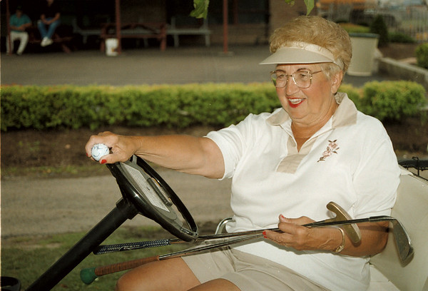 98/07/30 Hyde Park Golf-Laura Martinez won the Hyde park Ladies League Tournament with a score of 62.