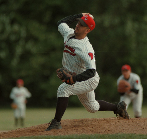 98/06/04--NW baseball --Takaaki Iwabu photo-- Niagara Wheatfield HS Frank Pavicich pitches for the Falcons Wednesday at sectional playoff game against Sweet Home. <br /> <br /> tmc photo