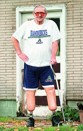 97/10/14-- DOUBLE AMPUTEE--DAN CAPPELLAZZO PHOTO--BILL SNYDER OF SANBORN, DOUBLE AMPUTEE, VOLUNTEERS AT DEGRAFF HOSPITAL ONE DAY A WEEK.<br /> <br /> FEATURE