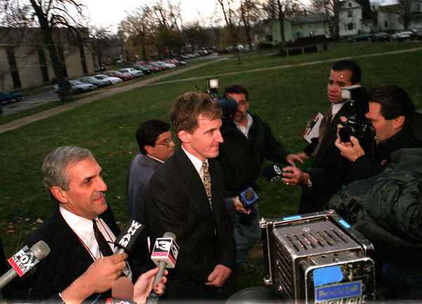 98/11/05 Northrup & Attorney *Dennis Stierer Photo -<br /> Attorney John Parrinello, of Rochester escorts his client, Mike Northrup into the Niagara County Courthouse on Thursday afternoon.