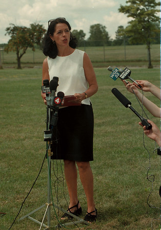 98/07/31 Lois Gibbs - James Neiss Photo - Lois Gibbs, executive director of the Center For health, Environment and Justice speaks to reporters at the corner of 100th and Colvin on the anniversery of Love Canal.