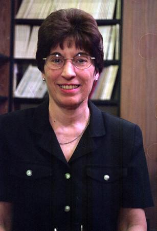 98/05/13 Crossett Mug-Rachel naber Photo-Linda Crossett is retiring from teaching at Emmit Belknap Middle School.