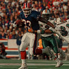 98/11/01--BILLS/SMITH--DAN CAPPELLAZO PHOTO--BILLS RB ANTOWAIN SMITH SHAKES OFF A TACKLE BY MIAMI'S BROCK MARION FOR A 13YR GAIN IN  2ND QUARTER ACTION.