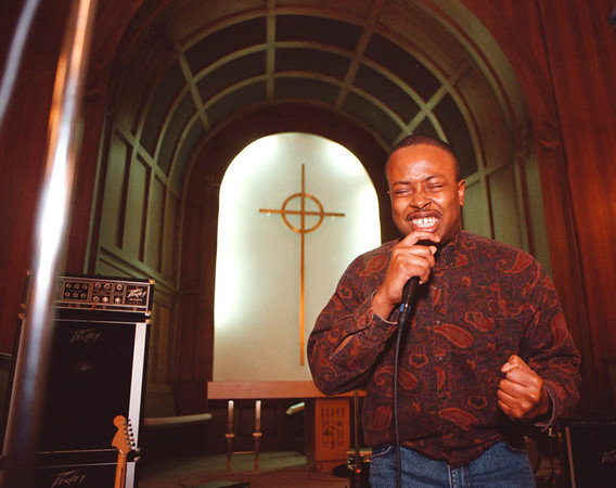 1/31/97--CHRISTIAN RALLY/1ST PRES.--DAN CAPPELLAZZO PHOTO--JOHN GAYLORD, OF POTTERS HOUSE CHURCH, PERFORMS AN EMOTIONAL RELIGIOUS RAP AT THE 1ST PRESBYTARIAN CHURCH, RAINBOW BLVD.<br /> <br /> LOCAL
