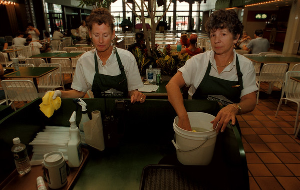 98/09/02--SUMMIT MALL--DAN CAPPELLAZZO PHOTO--SUMMIT MALL/PICNIC PLACE EMPLOYEES (LTOR)PATTY STACHURA AND ALICE SNYDER WORK AT THEIR STATION IN THE FOOD COURT AREA OF THE MALL. STACHURA SAID:ÓITÕS A GOOD MALL I KNOW THEY PUT MORE STORES HERE. SNYDER SAID;ÓTHEY HAVE GOT GOOD PLANS FOR THIS MALL, IT WILL DO WELL.<br /> <br /> LOCAL