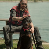 """98/04/28--SAT TOPIC/DOGS--DAN CAPPELALZZO PHOT0--MIKE WARWICK, OF NF, BRUSHES HIS 2-YR-OLD ROTTWILER """"FRUAKE,"""" AT GOAT ISLAND PARK. WARWICK SAID IT'S IMPORTANT TO TREAT YOUR DOG WITH PRIDE AND RESPECT.<br /> <br /> SAT 1A"""