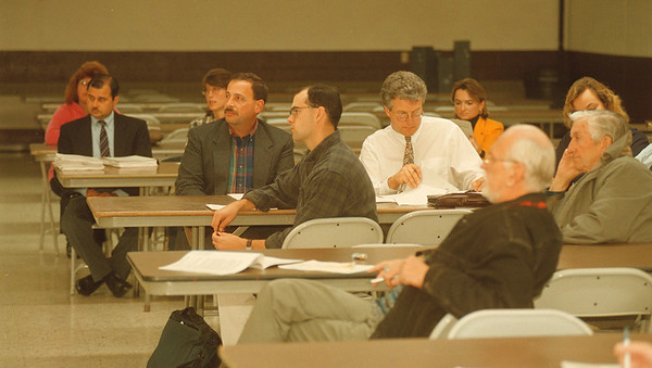 97/10/15 Forest Glen 2 - James Neiss Photo - Residents and officials attend a public meeting on the Forest Glen Subdivision Superfund Site.
