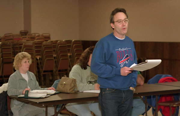 98/01/24 Linderman Speaks *Dennis Stierer photo - John Linderman talks to the conerned parents about their options to curtail the Reconfiguration of the Lockport City School District.