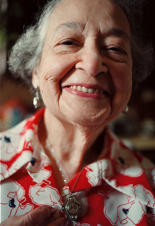 10/20/97--Carmelli Rinallo--Takaaki Iwabu photo-- A portrait of Carmelli Rinallo, 85. (For Judy's feature on her)<br /> <br /> Wednesday, Feature, bw       -- W/ Promo