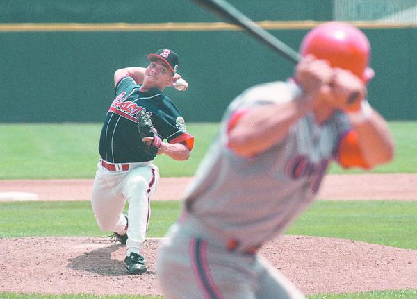 6/25/97--bisons 2 --takaaki iwabu photo-- Bison's ............... (#40) pitches against Oklahoma.