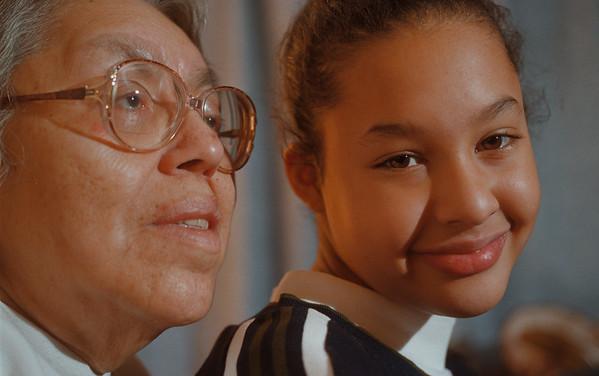 99/1/5 Lura Joseph - Vino Wong Photo - Lura Joseph, 70, and her granddaughter Kimberly Parker, 11, saved grandma by calling ambulance when she went into a diabetic coma Friday.